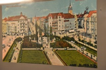 ציור של הכיכר לפני המלחמה
