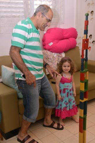 סבא רוני ועלמה בת שנתיים+10