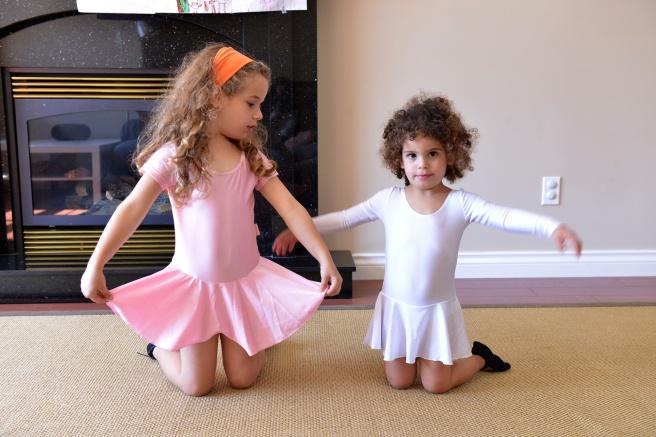 הבנות מופיעות צילום גלית לוינסקי