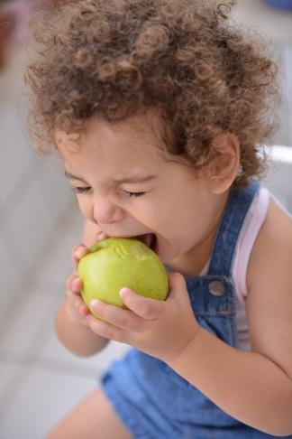 ילדות תפוח צילום גלית לוינסקי